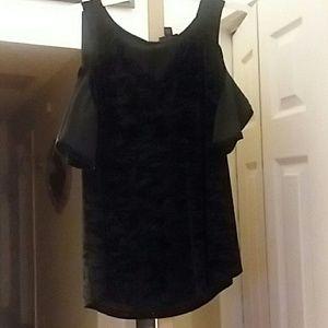 ANA black velvet cokd shoulder shirt  S